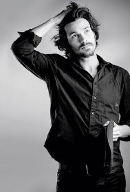 santiago-cabrera-photo-17